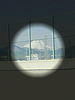 富士山が真っ白