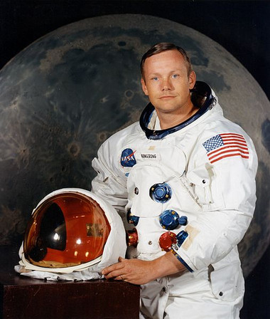 507pxneil_armstrong_pose