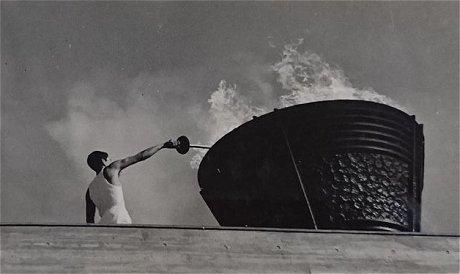 1964年東京オリンピック聖火の点火