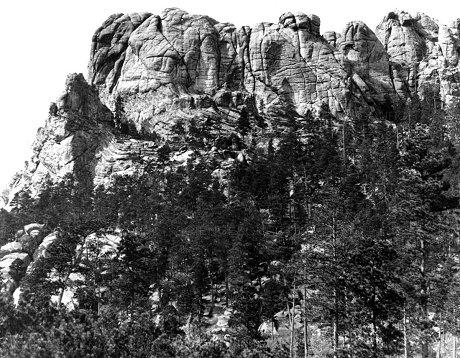 彫刻前のラッシュモア山(1905年)
