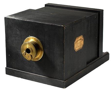 ダゲレオタイプのカメラ(1839年)