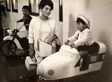 昭和レトロな子ども用の乗り物(昭和42年)