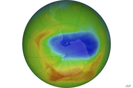 南極のオゾンホール